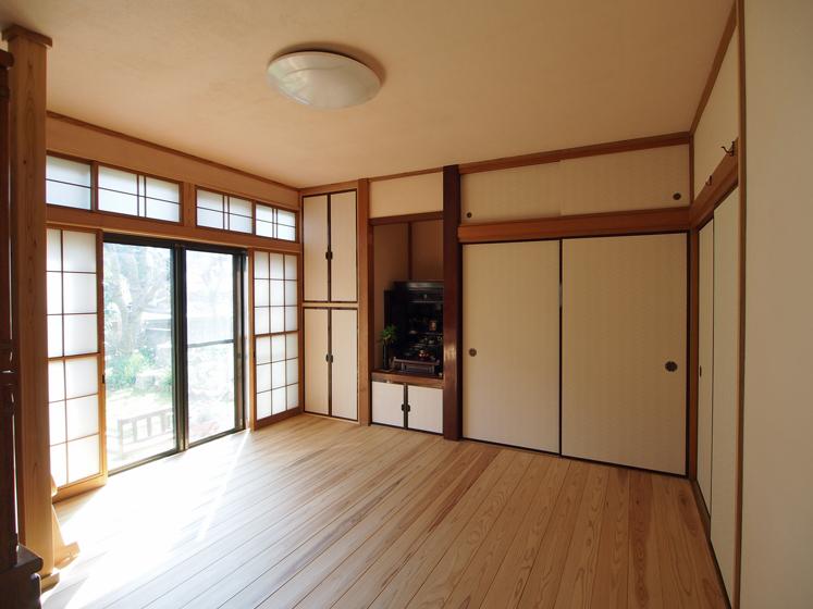 多目的室:6帖の和室と縁側を一室として改修。将来は特定寝室としても使える
