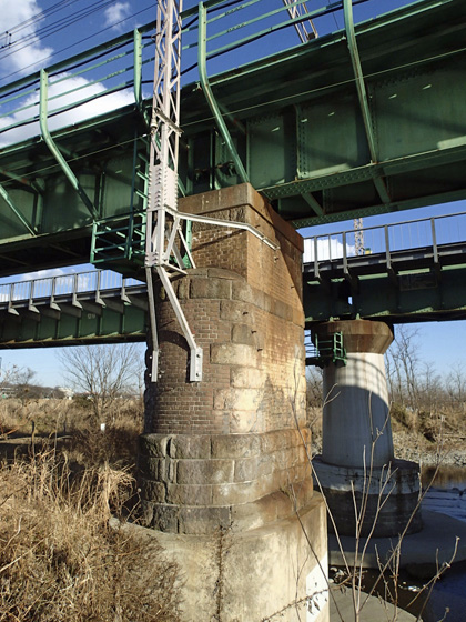 日野レンガの橋脚