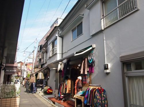 商店街に建つ店舗併用住宅の再生