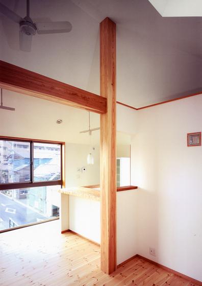 燃え代設計で現しにした、柱と梁、この家の大黒柱的な存在になっている